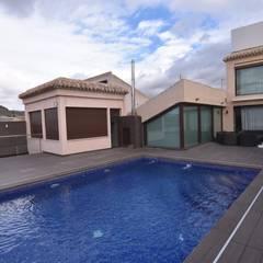 無邊際泳池 by Obras y Proyectos Zen SL