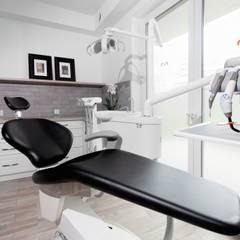 Projekt gabinetów stomatologicznych w Kościerzynie: styl , w kategorii Kliniki zaprojektowany przez ARCHAMO architektura