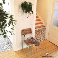 Alte Villa Renovierung, Deutschland:  Flur & Diele von Mosaic del Sur