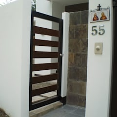 pintu depan by KDA Design + Architecture