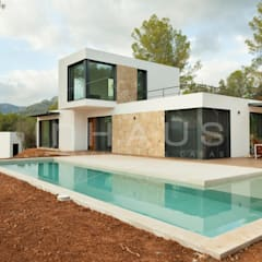 Kolam renang halaman oleh Casas inHAUS, Modern