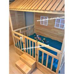 MOBİLYADA MODA  – Doğal Ağaç Montessori Bebek Odası, Yankı'nın Odası:  tarz Bebek odası