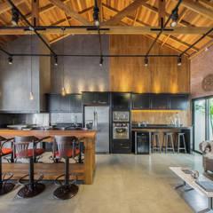 Espaço Gourmet de um Residência: Pavimentos  por Dani Santos Arquitetura,Industrial