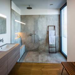 elternbad badezimmer von studio meuleneers