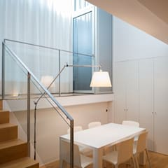 Puertas de vidrio de estilo  por ETNA STUDIO , Minimalista Madera Acabado en madera