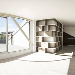 Suite Barbusse: Chambre de style  par PF/A