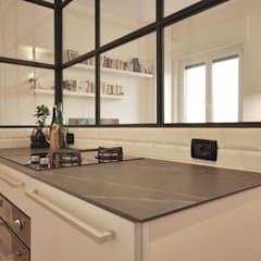 Built-in kitchens by Arch. Silvana Citterio, Industrial Glass