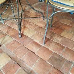 Lantai oleh Anticuable.com, Mediteran Batu Bata