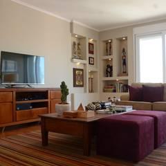SALA E JANTAR: Salas de estar  por arquiteta aclaene de mello