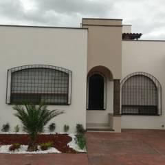 Houses by DEC Arquitectos