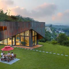 양평 스케테: 큐제이아키텍쳐 QJARCHITECTURE의  주택
