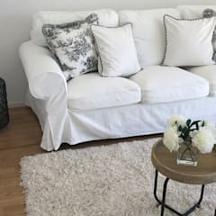 Sofa Weiss: landhausstil Wohnzimmer von Select Living Interiors