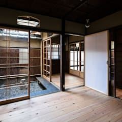 Wooden windows by 山本嘉寛建築設計事務所 YYAA, Asian Wood Wood effect