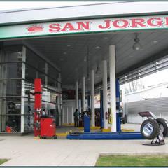 Serviteca San Jorge: Casas de estilo  por Incubar: Arquitectura & Construcción