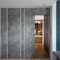 Puertas de estilo  por DYD INTERIOR大漾帝國際室內裝修有限公司