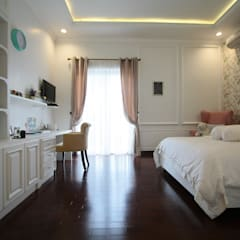 Girls Bedroom by Exxo interior, Classic Wood Wood effect