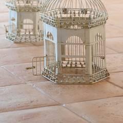 Handcrafted terracotta: product of passion:  Kantoor- & winkelruimten door Terrecotte Benelux