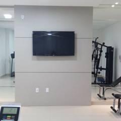 ACADEMIA: Fitness  por JC ARQUITETURA E INTERIORES