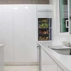 Cocinas equipadas de estilo  por TRES52 S.A.S