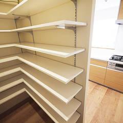 Muebles de cocinas de estilo  por セイワビルマスター株式会社, Escandinavo