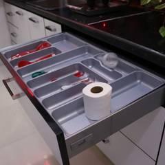 Keukenblokken door Enrich Interiors & Decors