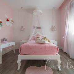 Dormitorio niña 2: Habitaciones de niñas de estilo  de Coccolarvi