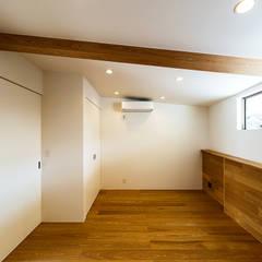 haus-flow 子供室: 一級建築士事務所hausが手掛けた子供部屋です。