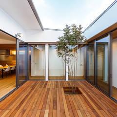 حیاط توسط一級建築士事務所haus, اسکاندیناویایی چوب Wood effect