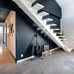 MAISON BORDEAUX Tresses: Escalier de style  par Julie Chatelain