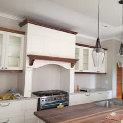 Built-in kitchens by Première Interior Designs