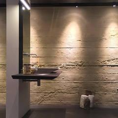 Puristisches Bad mit Beton:  Badezimmer von Der Rieger Exclusiv