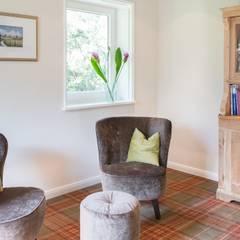 Lesezimmer: landhausstil Wohnzimmer von Innenarchitekturinsel