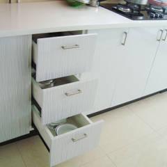 ห้องครัว by Inshows Displays Private Limited