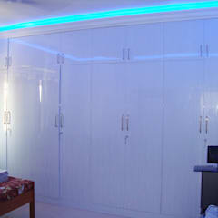 RESIDENT INTERIOR:  Media room by Inshows Displays Private Limited