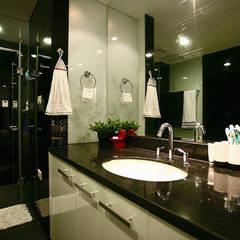 Đã Mắt Ngắm Mẫu Thiết Kế Nhà Phố Tuyệt Đẹp Trên Mảnh Đất 100m2:  Phòng tắm by Công ty TNHH Xây Dựng TM – DV Song Phát, Hiện đại