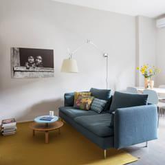 Living room by Euga Design Studio,