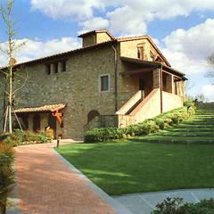 Villa door Morelli & Ruggeri Architetti