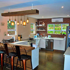 Mik & Steph Szecsei:  Kitchen units by Capital Kitchens cc