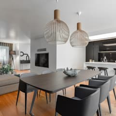 Juno's House:  Dining room by Mónica Parreira Design Interiores