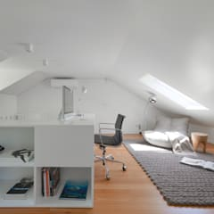 Juno's House: minimalistic Study/office by Mónica Parreira Design Interiores