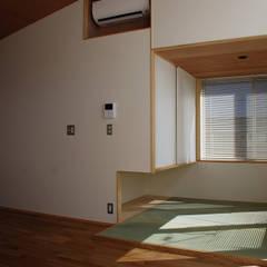 tatami room: 丸菱建築計画事務所 MALUBISHI ARCHITECTSが手掛けた和のアイテムです。