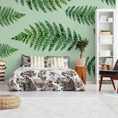 GREEN FERN IN THE BEDROOM:  Bedroom by Pixers