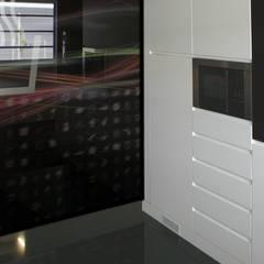 Technical Center Coficab Portugal: Centros de exposições  por Atelier Maurício Vieira