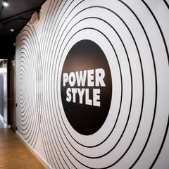 """Студия фитнеса """"Power Style"""": Коммерческие помещения в . Автор – Студия дизайна Дмитрия Артемьева 'Prosto Design'"""