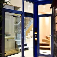 Puertas de vidrio de estilo  por Công ty TNHH Thiết Kế Xây Dựng Song Phát