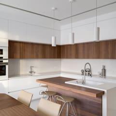 Kitchen units by Art-i-Chok