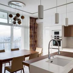 Кухня-столовая в белом цвете - стиль минимализм: Кухонные блоки в . Автор – Art-i-Chok