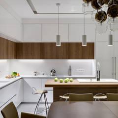 Дизайн интерьера кухни в белом цвете: Кухонные блоки в . Автор – Art-i-Chok