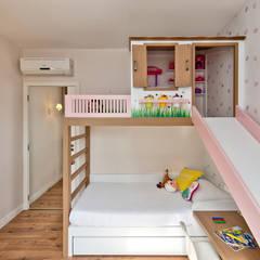 Phòng ngủ bé gái by Espaço do Traço arquitetura