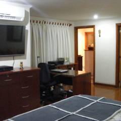 Dormitorio Principal: Dormitorios de estilo colonial por Casabella